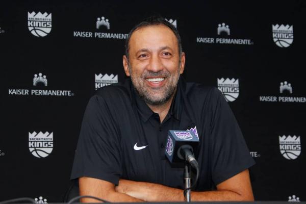 Vlade Divac: Sacramento Kings a Young 'Superteam'
