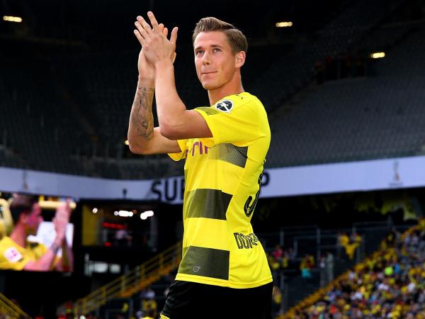 Huddersfield Town transfer news: World Cup-winner Erik Durm in talks to join from Borussia Dortmund