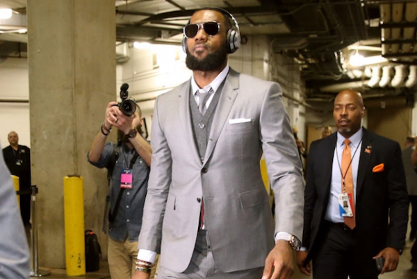 NBA Free Agent Rumors: LeBron James Undecided On Player Option, Does Not Want Elaborate Pitch Meetings