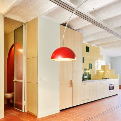 Escolano + Steegmann creates apartment that recalls rooftops of Barcelona
