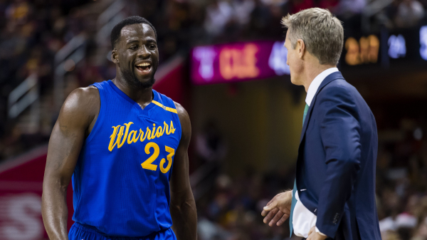 Stephen Curry entertained by Draymond Green, Steve Kerr arguments
