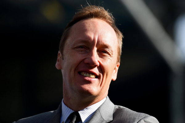 Arsenal legend Lee Dixon apologises to American viewers for fag slip-up during Chelsea derby coverage