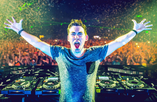 Hardwell adds a big house filter to U2's 'Summer Of Love'