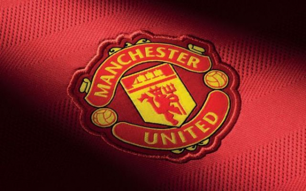 Manchester United must break Premier League transfer record in order to sign talented midfield maestro