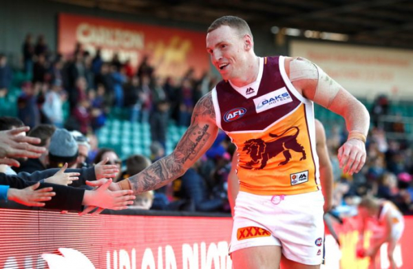 Lions duo re-sign