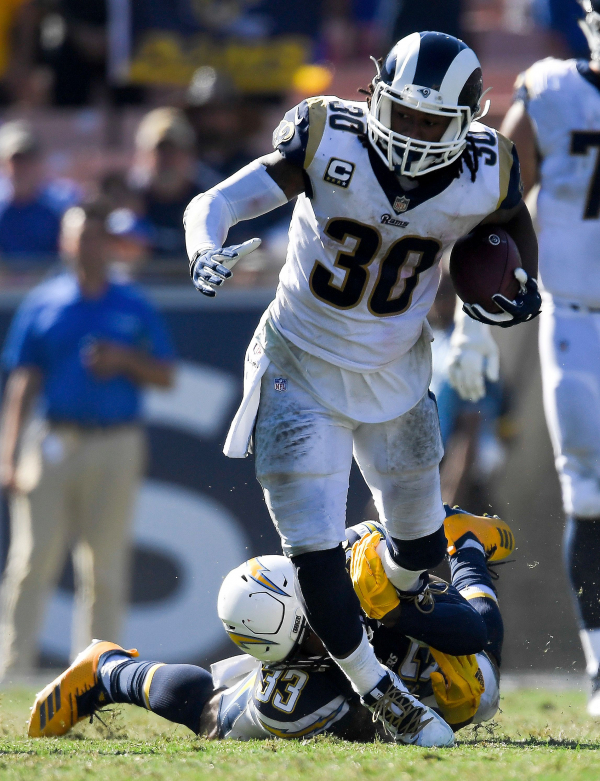 Chargers defense laments lack of pass rush in loss to Rams