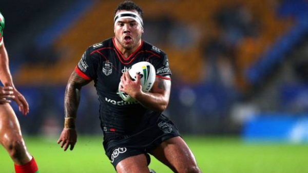 Jazz Tevaga turns down rival clubs to re-sign with the New Zealand Warriors