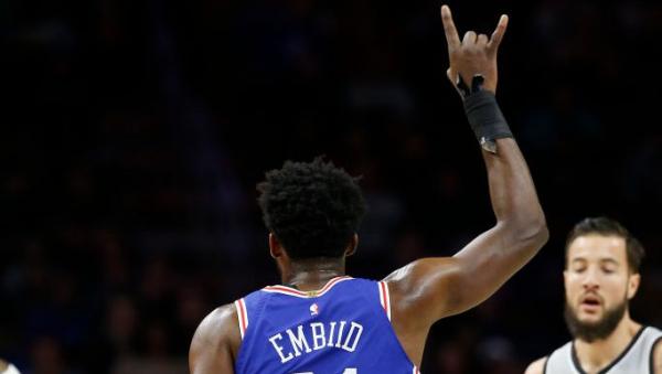 Report: Spurs preferred Joel Embiid or Ben Simmons in Kawhi Leonard trade