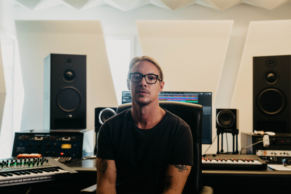 Diplo has launched a sample pack with NI and Sounds.com: Watch