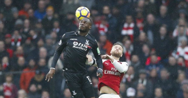 Palace hope for swift recovery after Benteke undergoes op