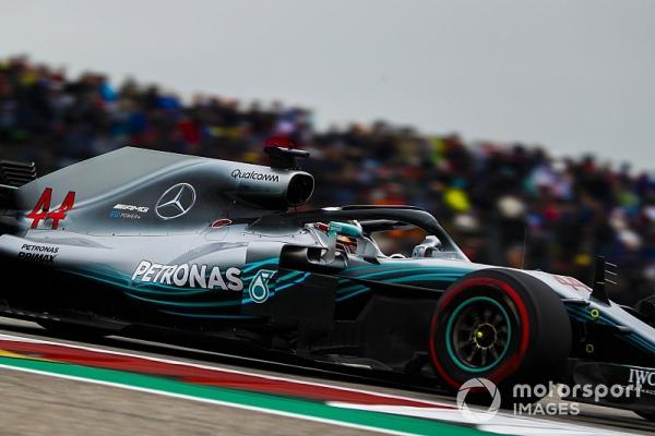 Mercedes changes water pumps after problem
