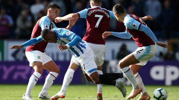 Winless Huddersfield draw at Burnley