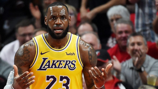 LeBron James dunks way to 26, but Lakers have long way to go, drop opener in Portland