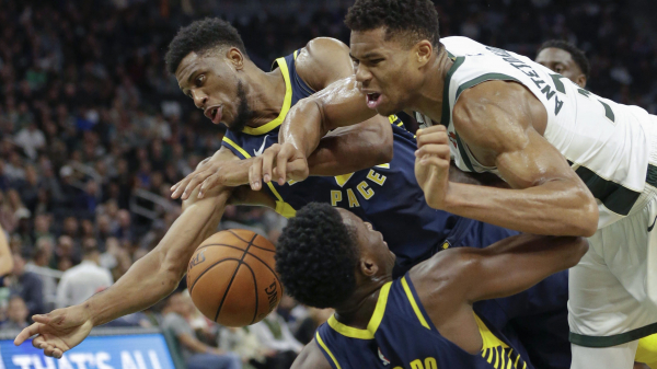 Giannis Antetokounmpo, Kris Middleton help Bucks beat Pacers 118-101