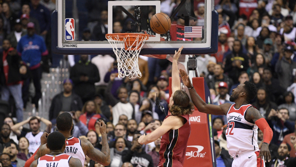 Watch Kelly Olynyk's game-winning putback with 0.2 seconds left for Miami