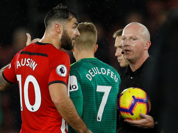 Charlie Austin demands VAR in explosive rant at referees following Southamptons draw with Watford