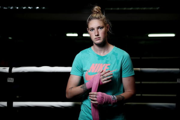 AFLW: Boxing Blue fighting for Australian title