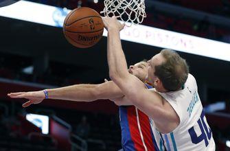 Tony Parker has 24 points, Hornets beat Pistons 113-103