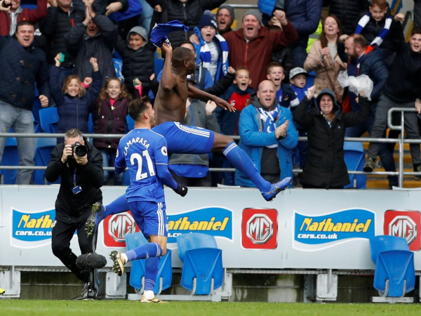 Sol Bamba snatches late win for Cardiff against ten-man Brighton