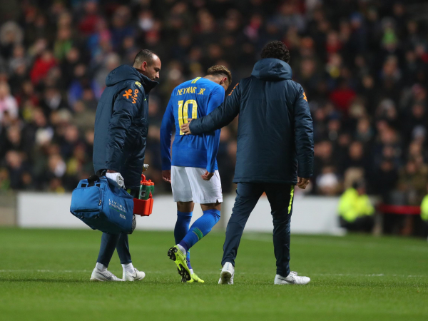 Neymar and Kylian Mbappe suffer injury scares on international duty ahead of PSGs clash with Liverpool