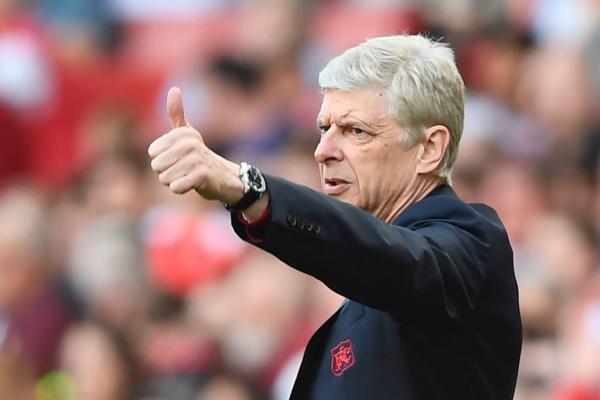 Arsene Wenger advises Paris Saint-Germain to sign Arsenal contract rebel Aaron Ramsey