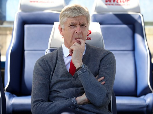 Arsene Wenger remains coy over future after refuting rumours of Real Madrid approach