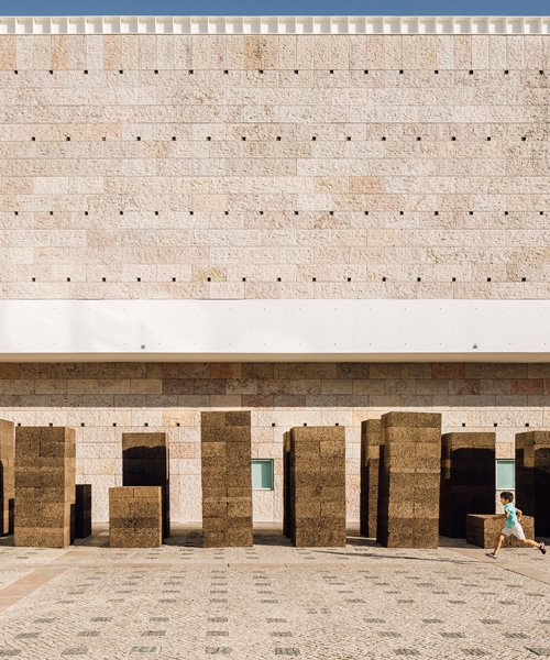 PROMONTORIO occupies belem cultural centre with installation made from recycled cork