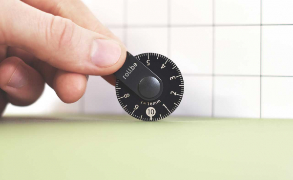Rollbe Click Is a Super Compact, Coin-Sized Rolling Ruler