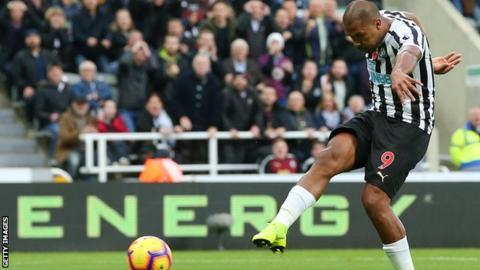 Newcastle 2-1 Bournemouth: Rondon scores twice as Newcastle record successive league wins