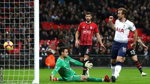 New boss Hasenhuttl watches Southampton thumping by Spurs