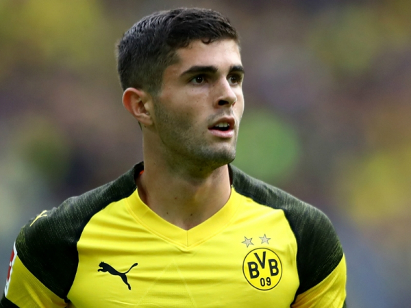 Chelsea & Liverpool target Pulisic told it is 'time for a change'
