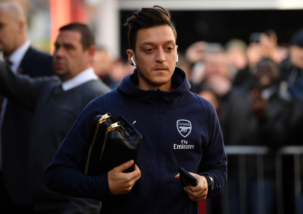 Arsenal team news: Unai Emery set to return to back four after Rob Holding injury while Mesut Ozil misses again