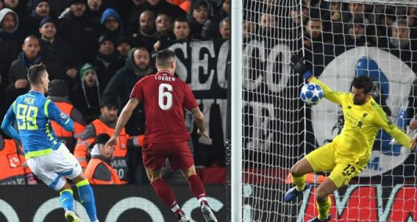 Georginio Wijnaldum praises Alisson Becker after heroic Napoli display