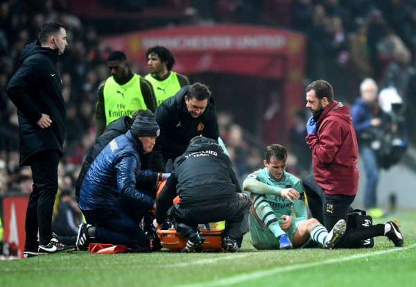 Arsenal defender Rob Holding to miss up to nine months to injury