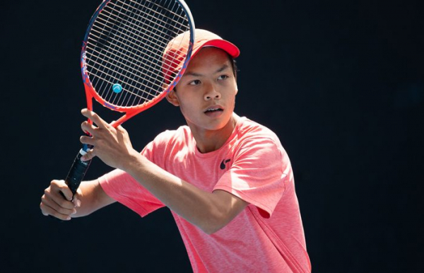 Pham grinds out victory to reach 14/u final