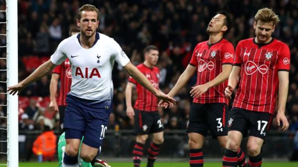 Davies envious of Lloris as Saints lose