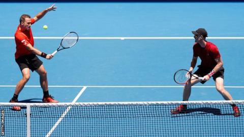 Murray and Soares knocked out of men's doubles