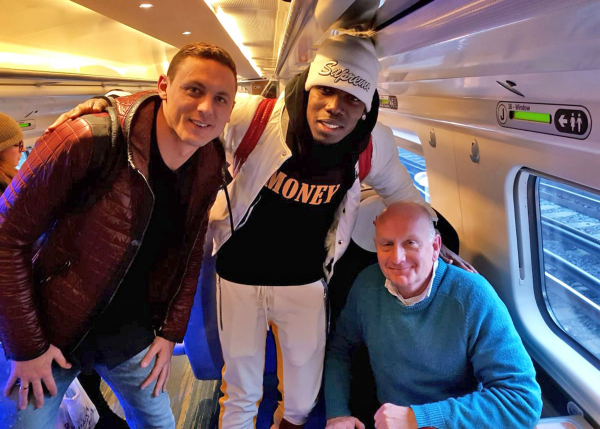 Paul Pogba offers to take picture with Australian tourists on train... but they have no idea who the Manchester United star is