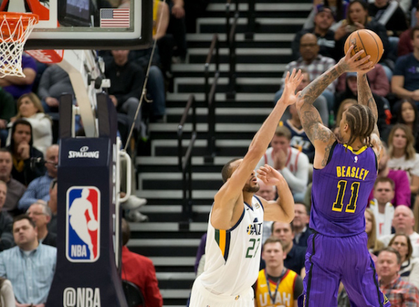 Lakers Injury Update: X-Rays Negative On Michael Beasley's Right Hand