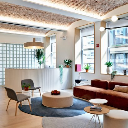 Float Studio designs rentable offices for Meet in Place in New York