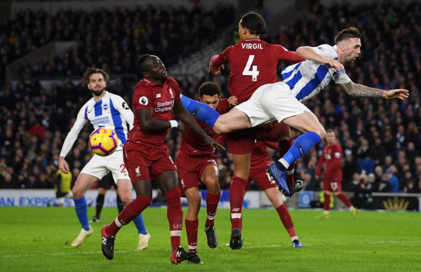 Van Dijk went absolutely mental at Alexander-Arnold in 90th-minute vs Brighton