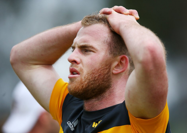 Tom Mitchell's season likely over after breaking leg at training