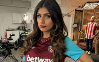 Arsenal star given hilarious trolling by porn star Mia Khalifa during West Ham defeat