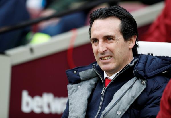 Ian Wright slams Unai Emery's decision to axe Mesut Ozil from Arsenal squad