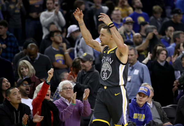 'It's Insane What He Does': Stephen Curry Drops 41 Points on the Pelicans