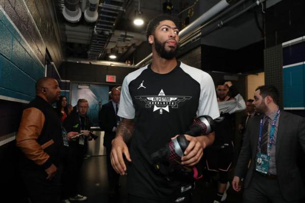 Kareem Abdul-Jabbar: Anthony Davis Saga 'Mirrors' Trade Request from Milwaukee