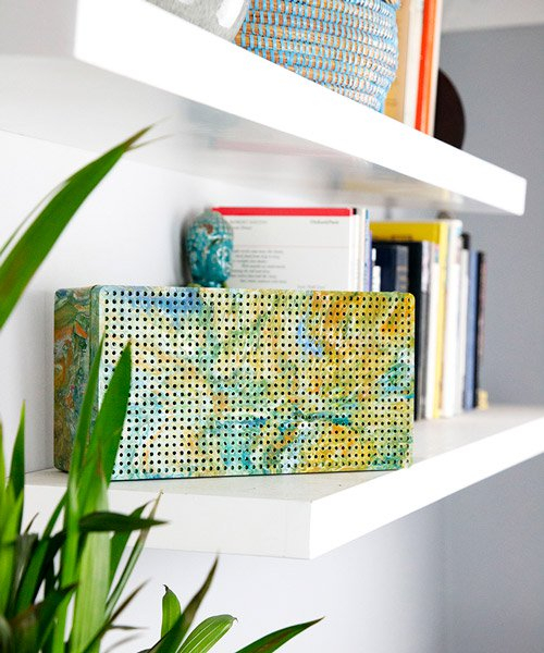 the portable speaker made from 100% plastic waste by UK based studio gomi
