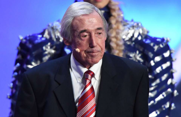 Gordon Banks honoured by classy tributes on Twitter after passing away aged 81