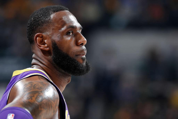 LeBron James Not Playing 'Fantasy Basketball' With Potential Anthony Davis Trade