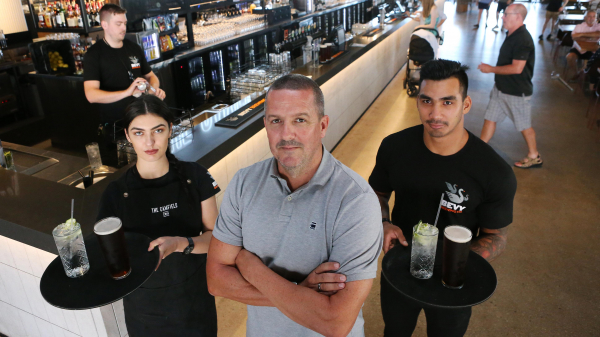 Perth publicans, recruiters say entitlement preventing young people from getting jobs
